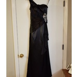"Modern Maids Dresses - Prom/Homecoming Court/Wedding *Black Formal Dress"""